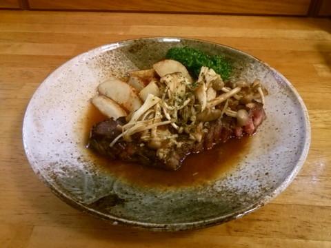 16-09-07(ステーキ:秋の野菜のせ・・・とでも言うのかと?).jpg