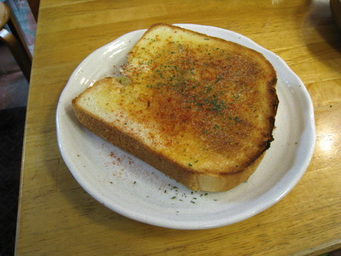 娘さんが焼いた食パンのトースト